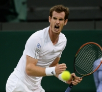 Holder Murray marches into Wimbledon quarter-finals
