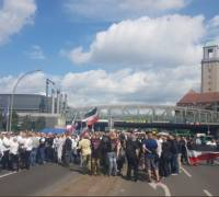 500 neo-Nazis, counter-protesters march in Berlin