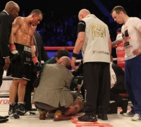 Chris Eubank Jr v Nick Blackwell fight should have been stopped - surgeon