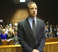 South Africa's 'Blade Runner' Pistorius starts community service