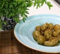 New potatoes in garlic and honey