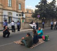 [WATCH] Updated | Peaceful protest outside police HQ, Briguglio says 'culture of fear' in Malta