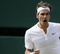 Wimbledon - Sublime Roger Federer eases past Andy Murray to reach final