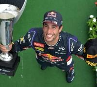 Ricciardo triumphs in Hungarian thriller