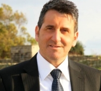 Former private secretariat member accused of defrauding Silvio Parnis