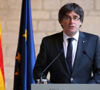 Catalonia crisis: Puigdemont 'could run if not in jail' and police will obey Madrid's orders