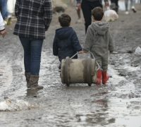 France urged to house unattended children in Calais camp