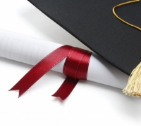 Female graduates continue to outnumber their male counterparts