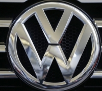 VW emission scandal grows as 800,000 more cars affected