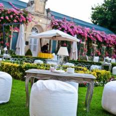 Luna at Palazzo Parisio | Dining in the garden