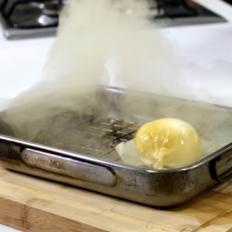 [WATCH] Smoke your own mozzarella