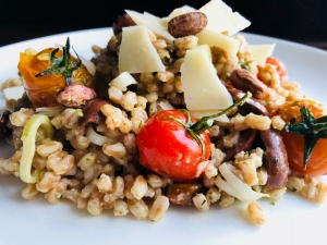 Holly Pisani at Peas & Love | Pesto and Cherry Tomato Farro