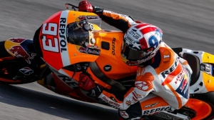 Marquez wins epic duel with Lorenzo