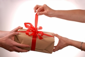 VOX POP: How much did Maltese families spend on gifts this Christmas?