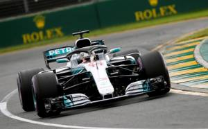 QUALIFYING: Hamilton beats Raikkonen to pole