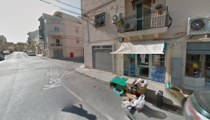 Armed man carries out hold-up in Tarxien