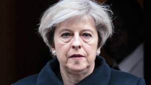 Theresa May summons cabinet to decide on Syria response
