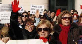 Spain: 'Wolf pack' gang rape trial angers protestors