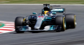 Lewis Hamilton takes Pole in Barcelona