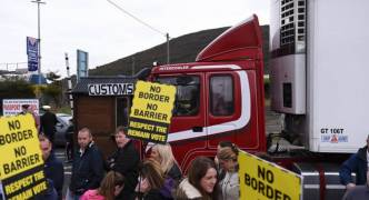 Ireland urges May to rethink Brexit plans for Irish border