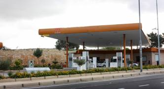 Partit Demokratiku calls for revision of fuel station policy