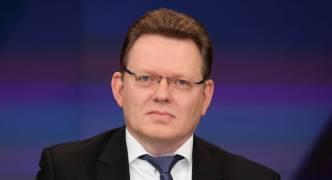 Germany: pro-refugee mayor stabbed