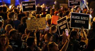 Protests in St Louis, Missouri turn violent over acquittal of officer in police killing