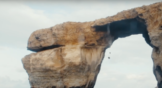 [WATCH] Rocks fall off picturesque Azure Window after cliff jumper dive