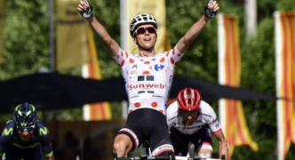 Tour de France 2017: Chris Froome stays second as France's Barguil wins on Bastille Day
