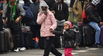 UK Home Office agrees to review child refugees asylum claims in France