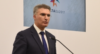 Minister dubs Busuttil a 'threat to democracy' after calls for FIAU report publication