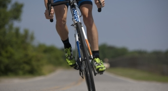 Protection, not bicycle lanes, priority for cyclists