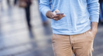 A fine for crossing the road and checking your phone? Honolulu is planning one