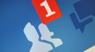 In the Press: EU seek to ban under-16s from social media
