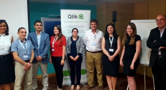 BI professionals learn about Qlik at iMovo's Roundtable and Business Brunch