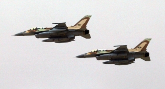 Israel threatens to destroy Syria's air defences