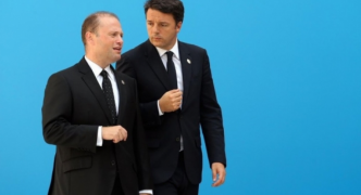 Updated | Muscat 'disappointed' by Renzi's resignation, says Malta to follow Frontex migration system