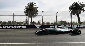 Hamilton takes pole, Vettel splits Mercedes