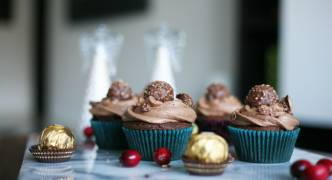 Three festive recipes to have with Christmas drinks