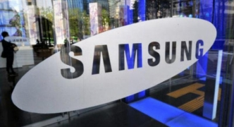Samsung backs away from planned split