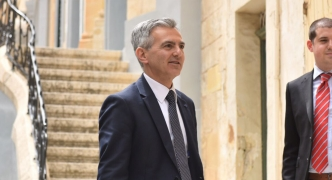 Busuttil pledges to 'clean up' passport sale scheme, urges PM to debate Marlene Farrugia