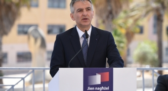 [WATCH] Busuttil pledges free chemotherapy, claims Muscat 'could privatise' Mater Dei