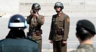 South Korea proposes rare talks with North to ease military tensions