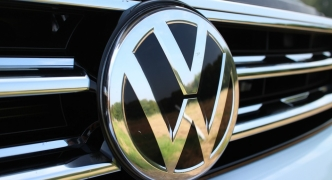 Six Volkswagen executives charged with fraud over emissions cheating