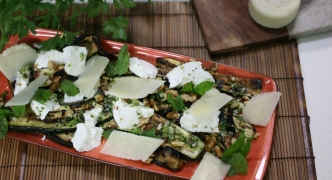 Zucchini and gbejna salad