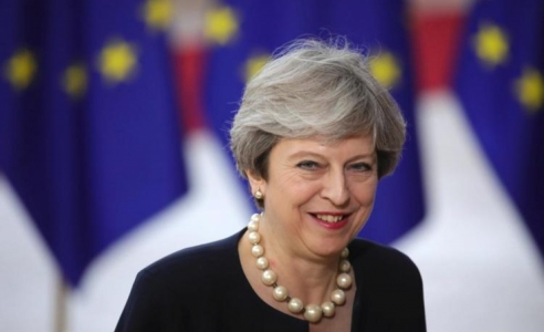 Theresa May makes 'fair and serious' offer on rights of EU citizens in UK