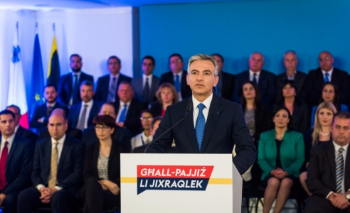 [WATCH] Busuttil accuses Keith Schembri of receiving kickbacks from passport sales, calls for immediate arrest
