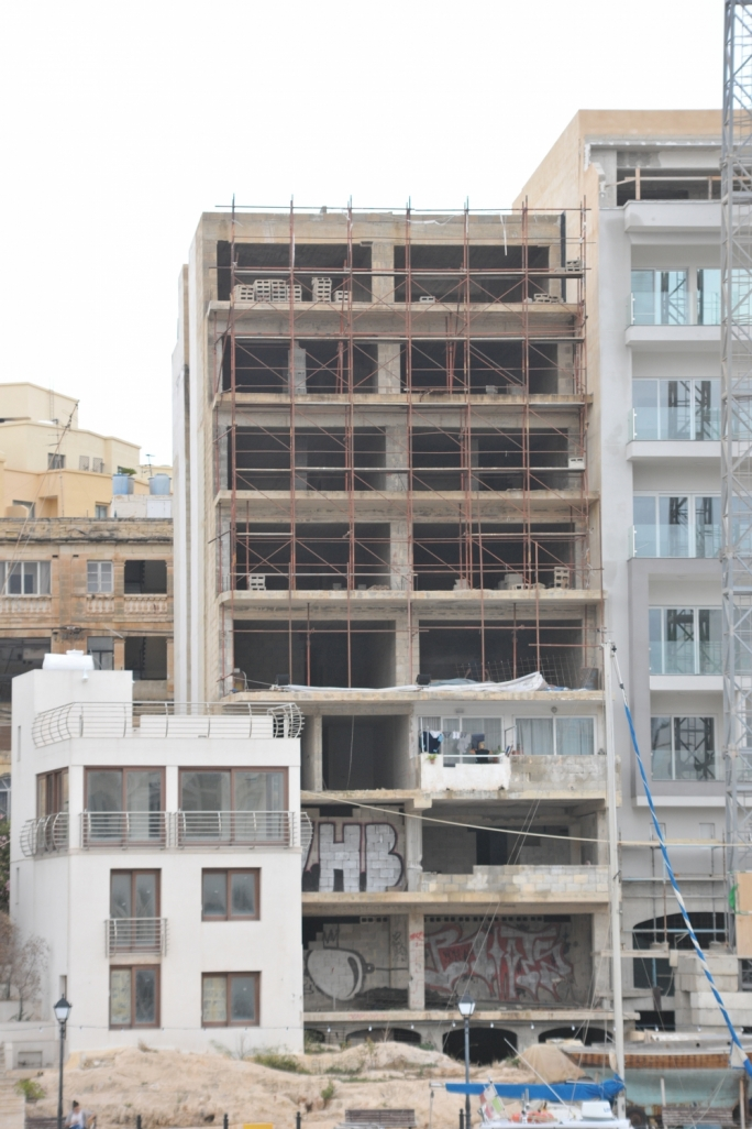Courts ordered demolition, PN government discounted sale price