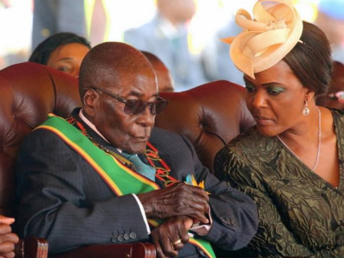 Zimbabwean President Robert Mugabe and his wife Grace attending a rally (Photo: the Star)