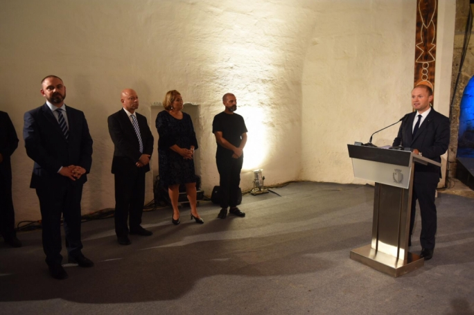 Prime Minister Joseph Muscat inaugurates the art exhibition featuring Rondinone's work at Sa Maison